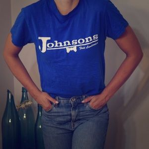 """Gildan Tops - Johnson's """"we hang with the best of them"""" t-shirt"""